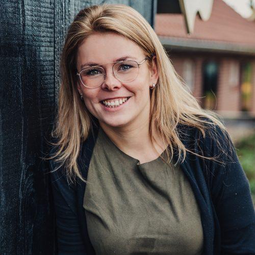 Inge Maurik